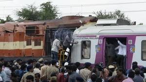 Indien: Überwachungsvideo zeigt Frontalzusammenstoß zweier Züge
