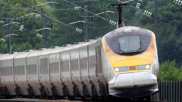 Die Züge sindTGV-Abkömmlinge und etwasschmaler, etwas stromlinienförmiger gestaltet. Innen verfügen sie über drei Wagenklassen:Business/Premier, Leisure, Standard.
