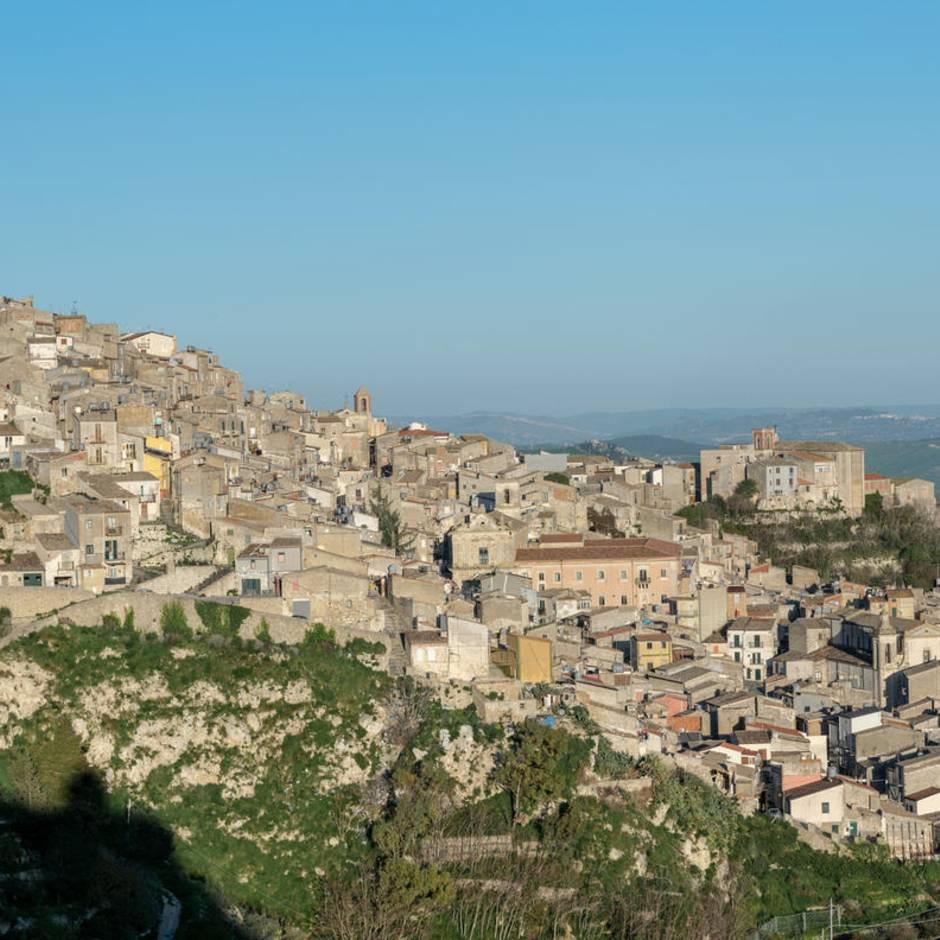 Das sagen die Käufer: Italiens Dörfer verkauften ihre Häuser für nur einen Euro – das passierte danach