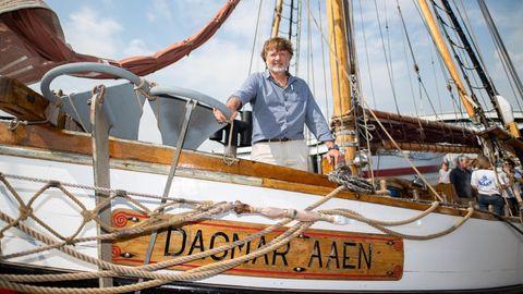 """Arved Fuchs (Archivbild vom Mai 2018) hat mit seinem Expeditionsschiff""""Dagmar Aaen"""" mehrfach im Packeis überwintert"""