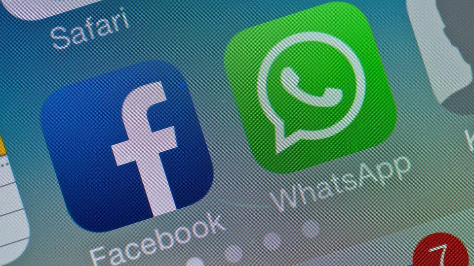 Das Logo von Facebook und WhatsApp