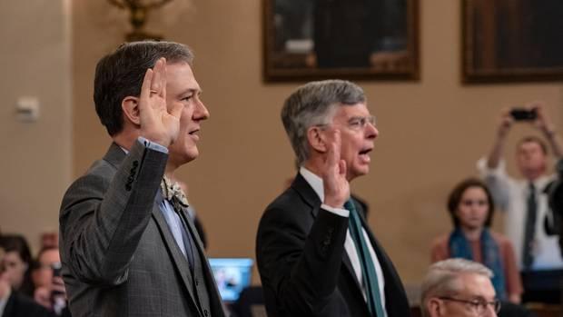 William Taylor (r.), geschäftsführender US-Botschafter in der Ukraine, und George Kent (l.), Diplomat im US-Außenministerium