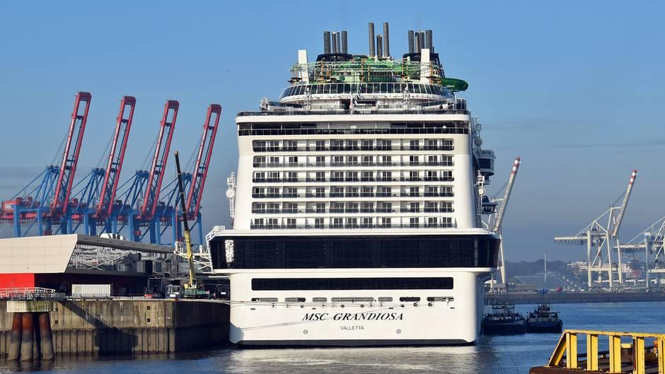 MSC Grandiosa im Hamburger Hafen