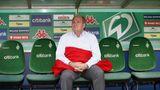 Die 90er Jahre sind geprägt von der scharfen Rivalität zwischen Hoeneß und Werder-Manager Willi Lemke. Später haben sich die beiden Streithähne versöhnt.