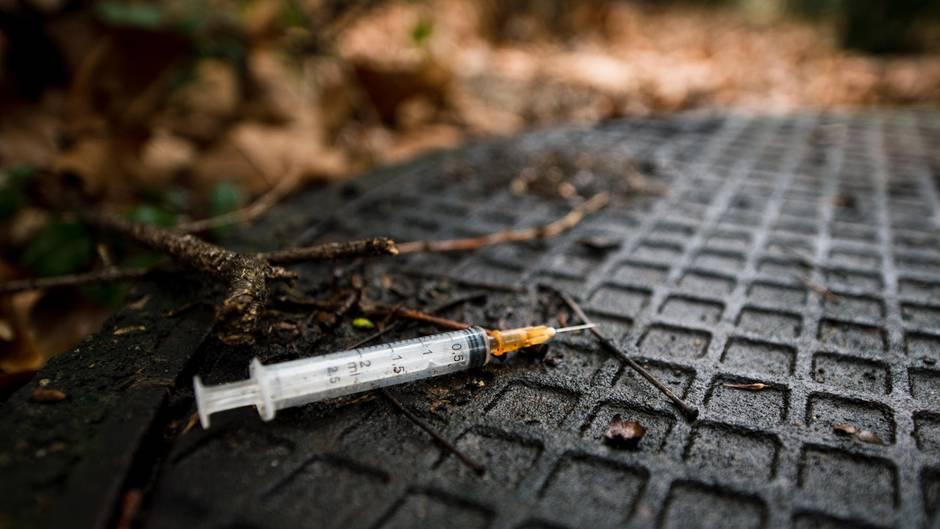 In Gelsenkirchen hat ein Unbekannter einer 13-Jährigen eine unbekannte Substanz gespritzt (Symbolbild)