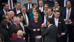 Der Bundestag hat am Freitag mit den Stimmen der Koalitionsfraktionen wesentliche Teile des Klimaschutzpakets beschlossen