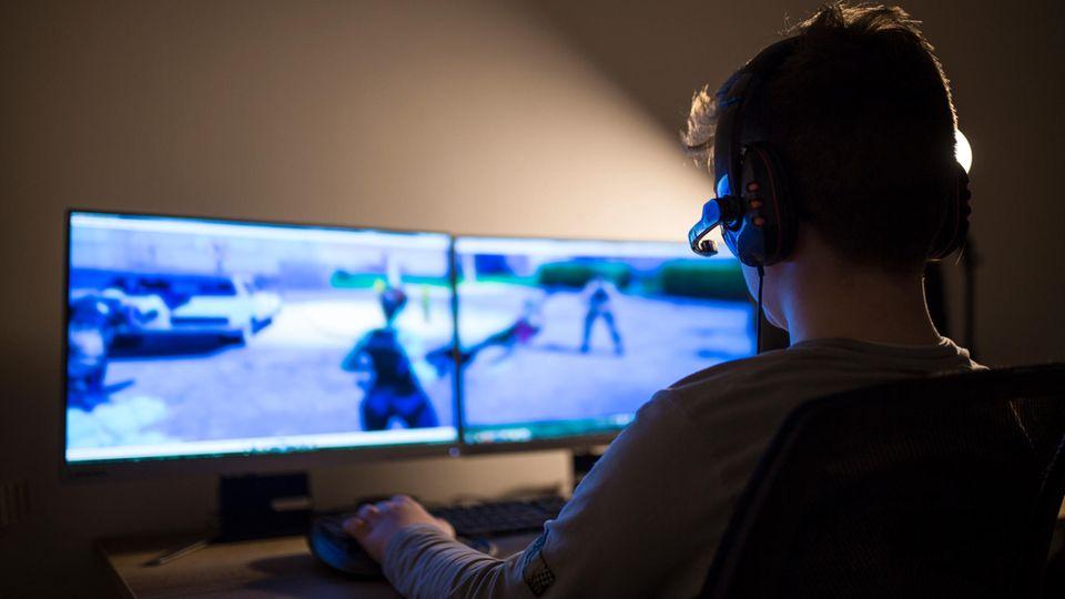 Rückzug von der realen Welt: Süchtig nach dem Netz: Wie das Internet von uns Besitz ergreift