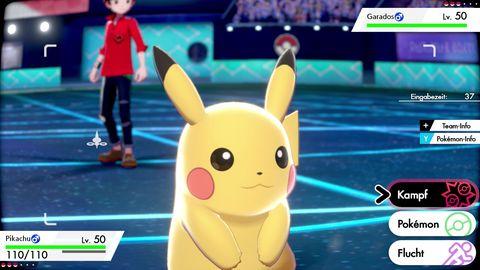 Pikachu im Kampf in Pokemon Schwert Schild