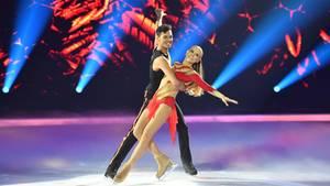 Dancing on Ice: Jenny Elvers mit TanzpartnerJamal Othman