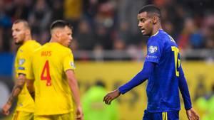 Alexander Isak ist in Rumänien während eines Spiels rassistisch beleidigt worden