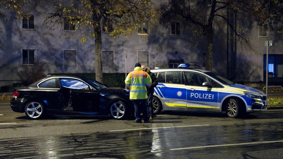 München: Falschfahrer rast in Gruppe von Jugendlichen – 14-Jähriger stirbt