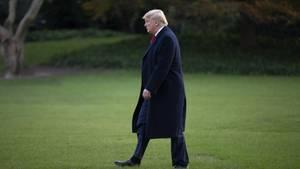 Zwei weitere Zeugenaussagen in den Impeachment-Ermittlungen gegen Donald Trump bringen den US-Präsidentenin Erklärungsnot