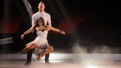 "Eric Stehfest und seine Partnerin Amani Fancy bei ""Dancing on Ice"""
