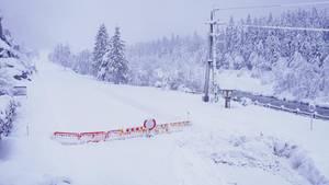 News im Video: Schneechaos – Orte in Österreich von Außenwelt abgeschnitten
