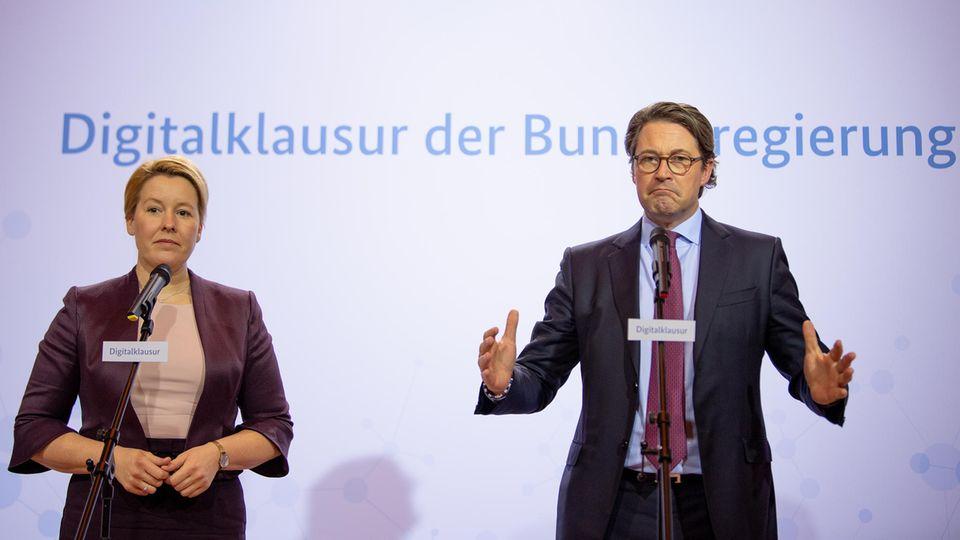 Digitalklausur in Meseberg: Franziska Giffey und Andreas Scheuer sprechen bei einer Pressekonferenz