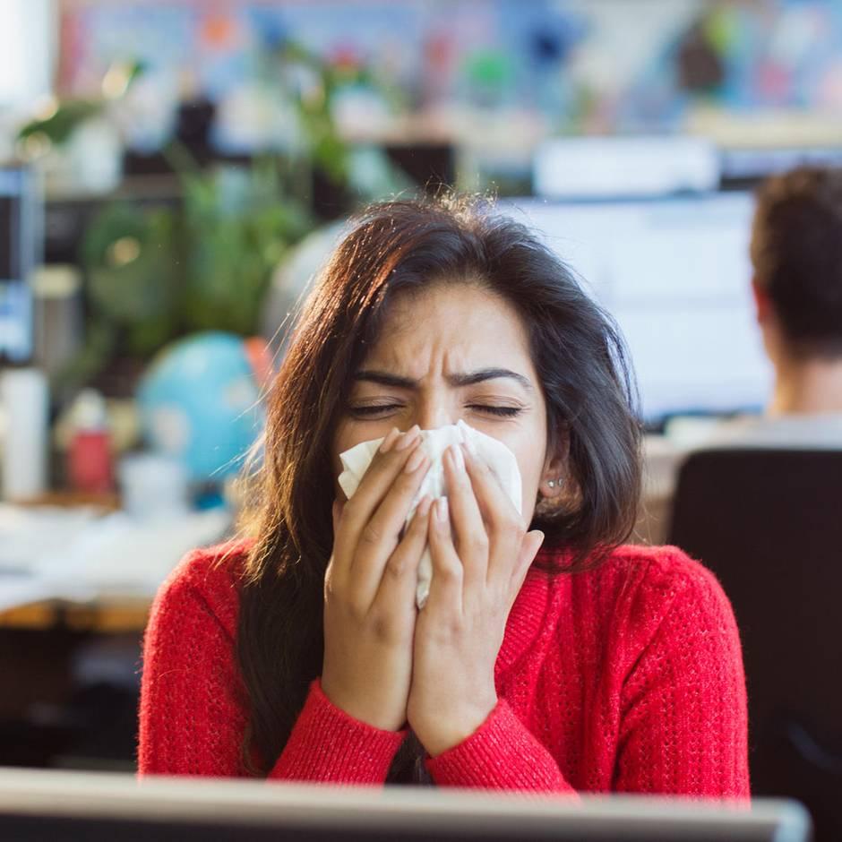 """Erkältung und Grippe: """"Gesicht nicht mit der Hand berühren"""": So kommen Sie gesund durch den Winter - ein Arzt gibt Tipps"""