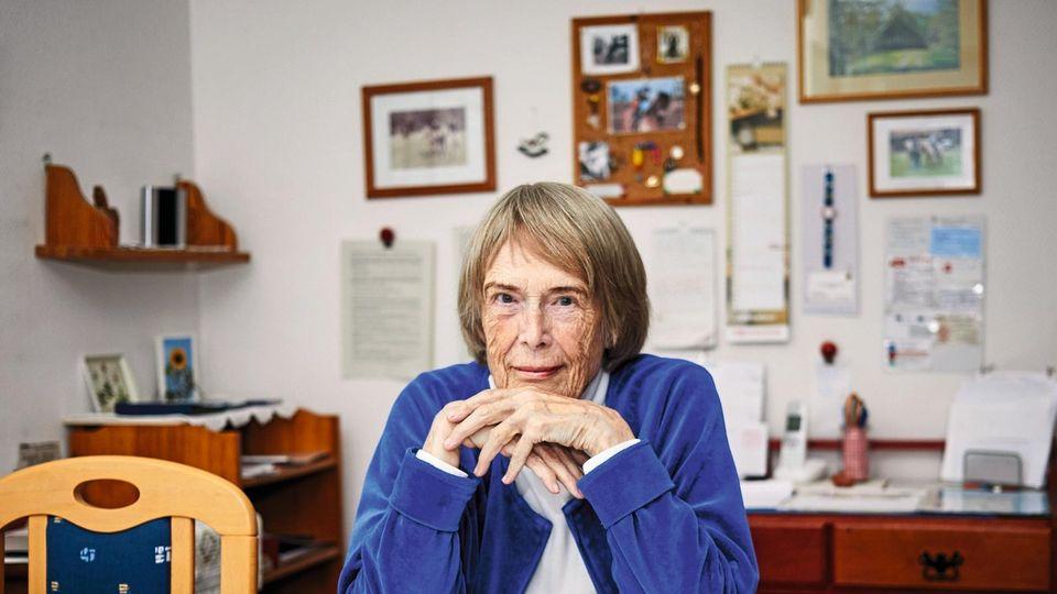 Margrit Herbst, 79, in ihrer Wohnung im schleswig-holsteinischen Brokstedt