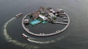 Diese Insel besteht aus 700.000 Plastikflaschen