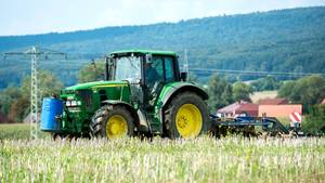 nachrichten deutschland - betrunken mit traktor unterwegs
