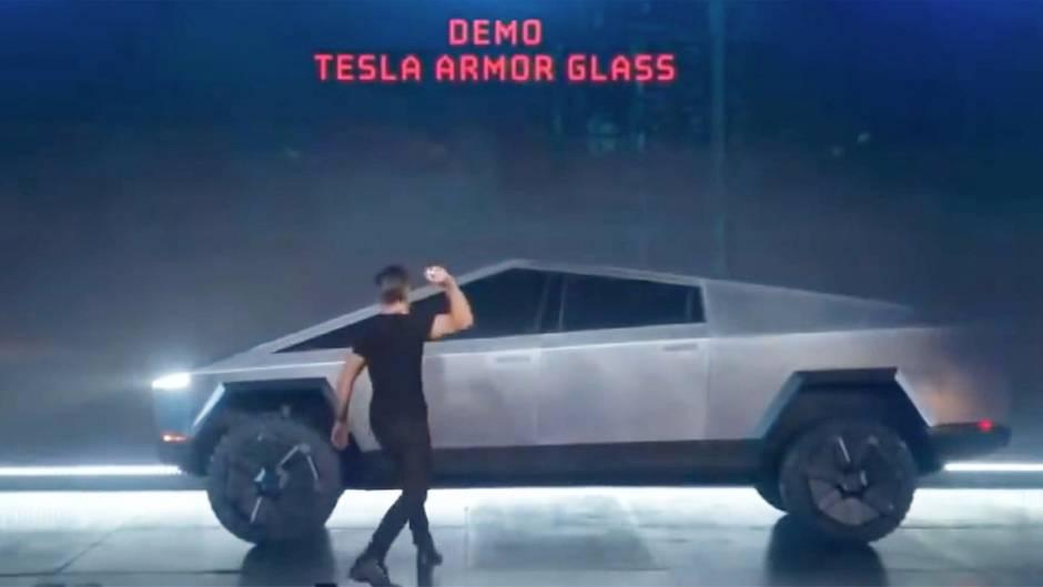 Cybertruck: Tesla-Pickup hält Bruchtest nicht Stand – Panne bei Vorstellung