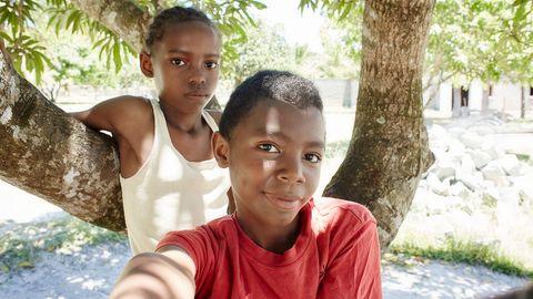 Sylviane und Sylvain, 12, sind sehr musikalisch