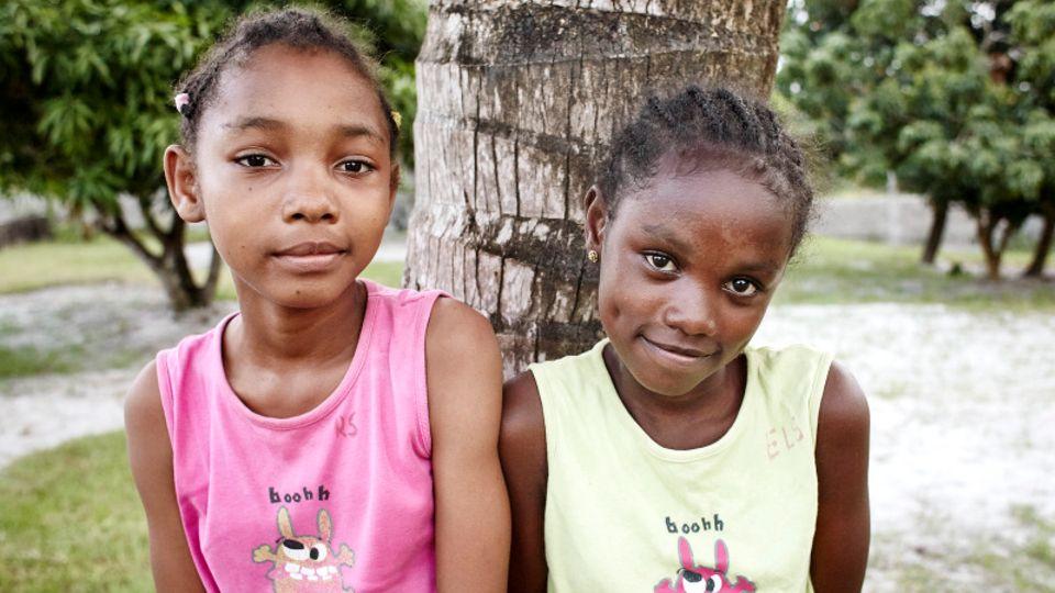 Marie-Rose (l.) und Marie-Elisa, 8