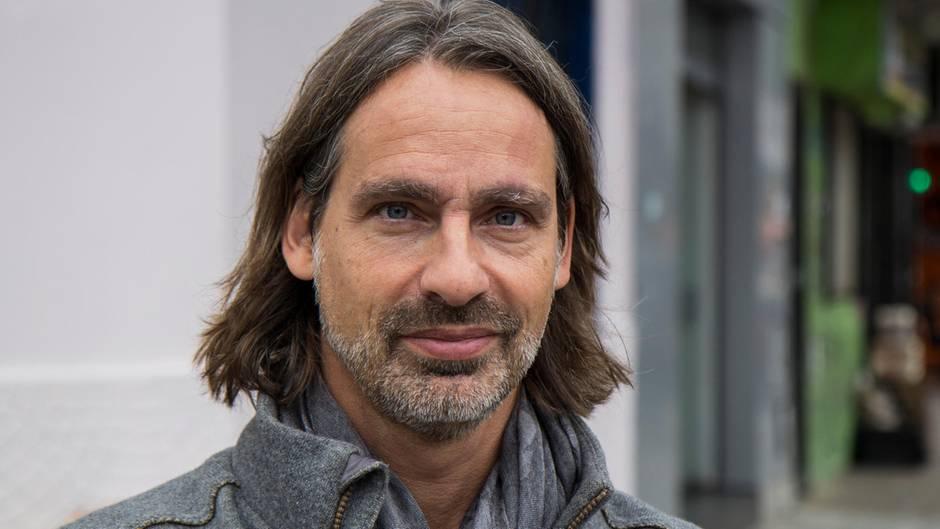 Richard David Precht im Interview: Brauchen wir mehr Verbote, Herr Precht?
