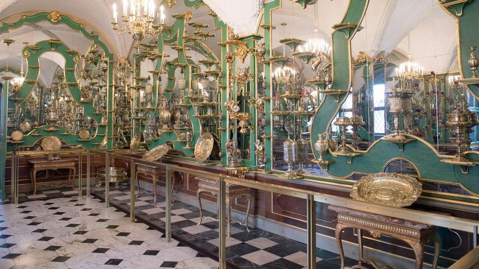 Ein Zimmer des historischen Grünen Gewölbes, das seinen Namen durch die teils malachitgrüne Bemalung erhielt (Archivbild)