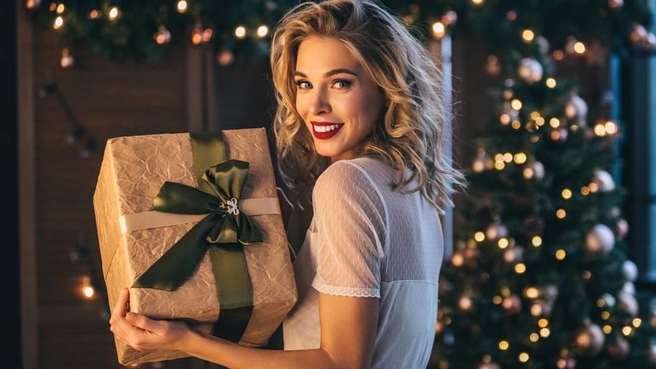 Sie brauchen Inspiration für schöne Weihnachtsgeschenke für Frauen? Hier finden Sie originelle Ideen