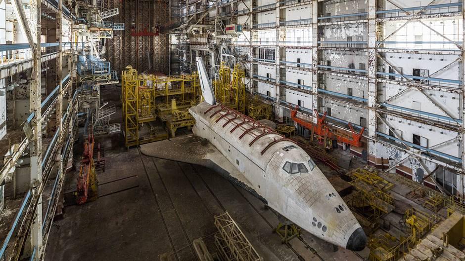 Das sowjetische Buran-Raumfahrtprogramm wolltemit der NASA gleichziehen. Doch nach dem Ende der UdSSR fehlte es an Mitteln, das Programm wurde eingestellt.