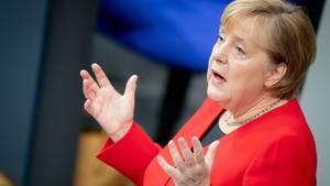Angela Merkel hebt die Hände: Meinungsfreiheit gibt es nicht ohne Widerspruch