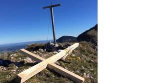 Kreuz auf dem Zwölferspitz