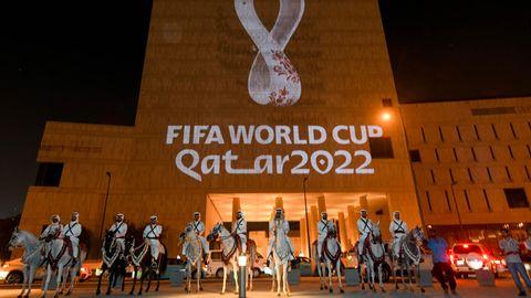 Die Fußball-WM 2022 in Katar bringt den Bundesliga-Spielplan komplett durcheinander
