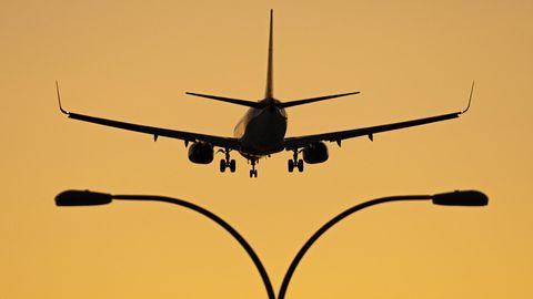 Flugzeuh im Landeanflug