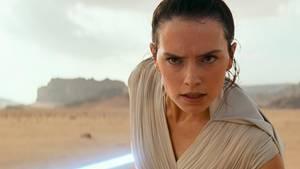 """Ein Pressefoto aus dem Film """"Der Aufstieg Skywalkers"""""""