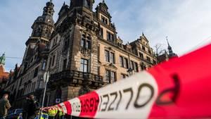 Das abgesperrte Residenzschloss in Dresden