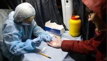 Mobiler Bluttest auf HI-Viren in Russland