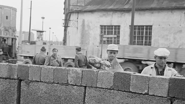 Der Bau der Mauer