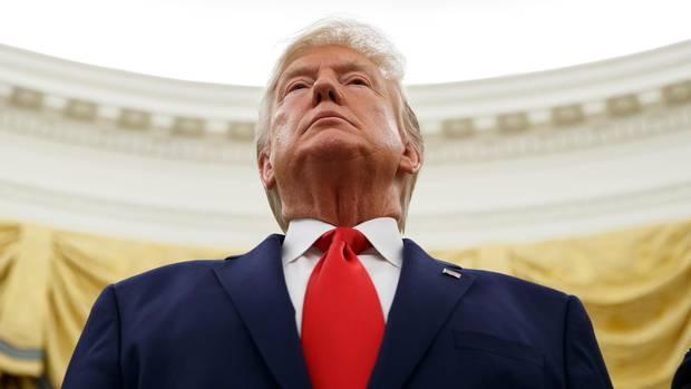Donald Trump, Präsident der USA,im Oval Office des Weißen Hauses
