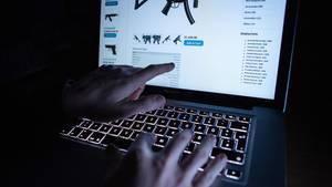 Im Darknet werden auf einschlägigen Seiten illegale Angebote aller Art gemacht (Symbolbild)