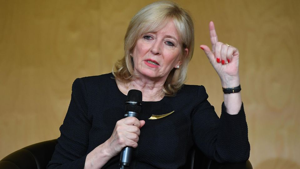 Europäische Union: EU-Beauftragte für Bürgerrechte: Emily O'Reilly kämpft um ihren Job