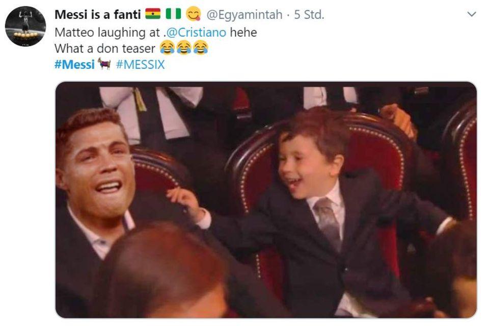 Fußballer-Nachwuchs: Messis Söhnchen Mateo und Thiago kabbeln sich bei der Ballon d'Or-Gala