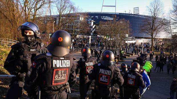 Spiele wie gegen den HSV sind in Bremen Hochrisikospiele, die einen größeren Polizeieinsatz erfordern