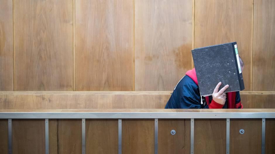 52-Jähriger beim Prozessauftakt am Landgericht Hannover