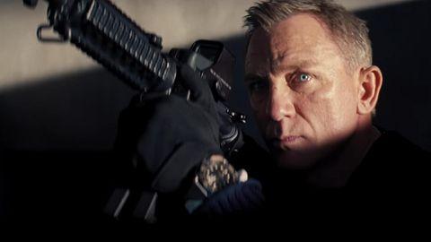 James Bond mit Waffe