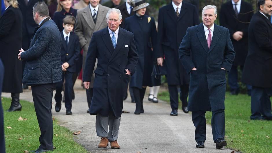 Im Epstein-Skandal: Prinz Philip soll Prinz Andrew getadelt haben