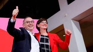 SPD-Politiker Norbert Walter-Borjans und Saskia Esken
