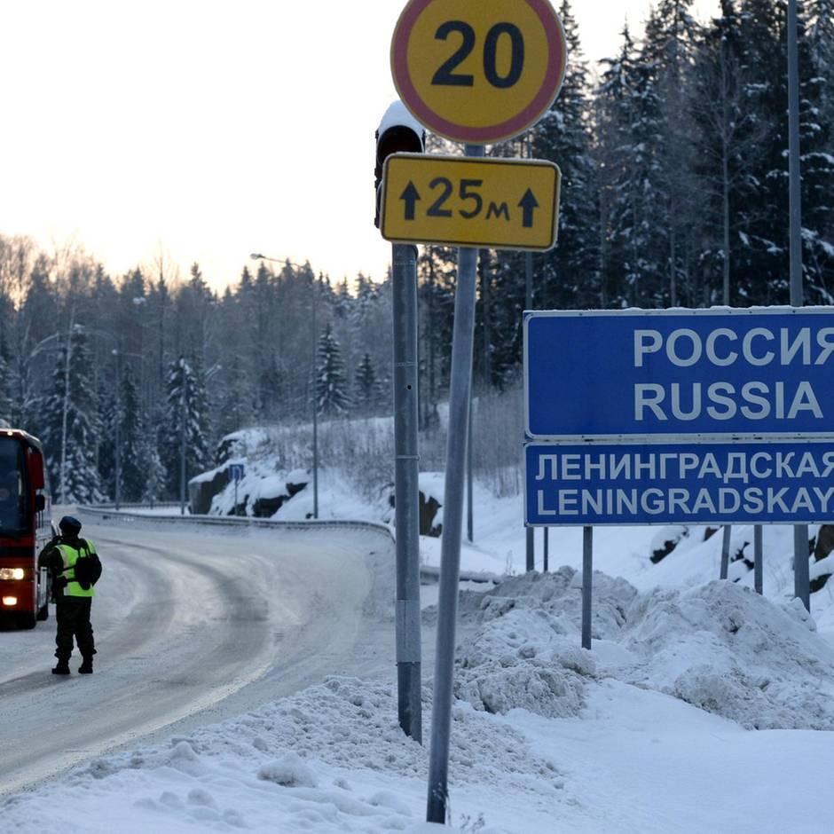 Russisch-finnische Grenze: Schleuser baut falschen Grenzposten, um Migranten hereinzulegen