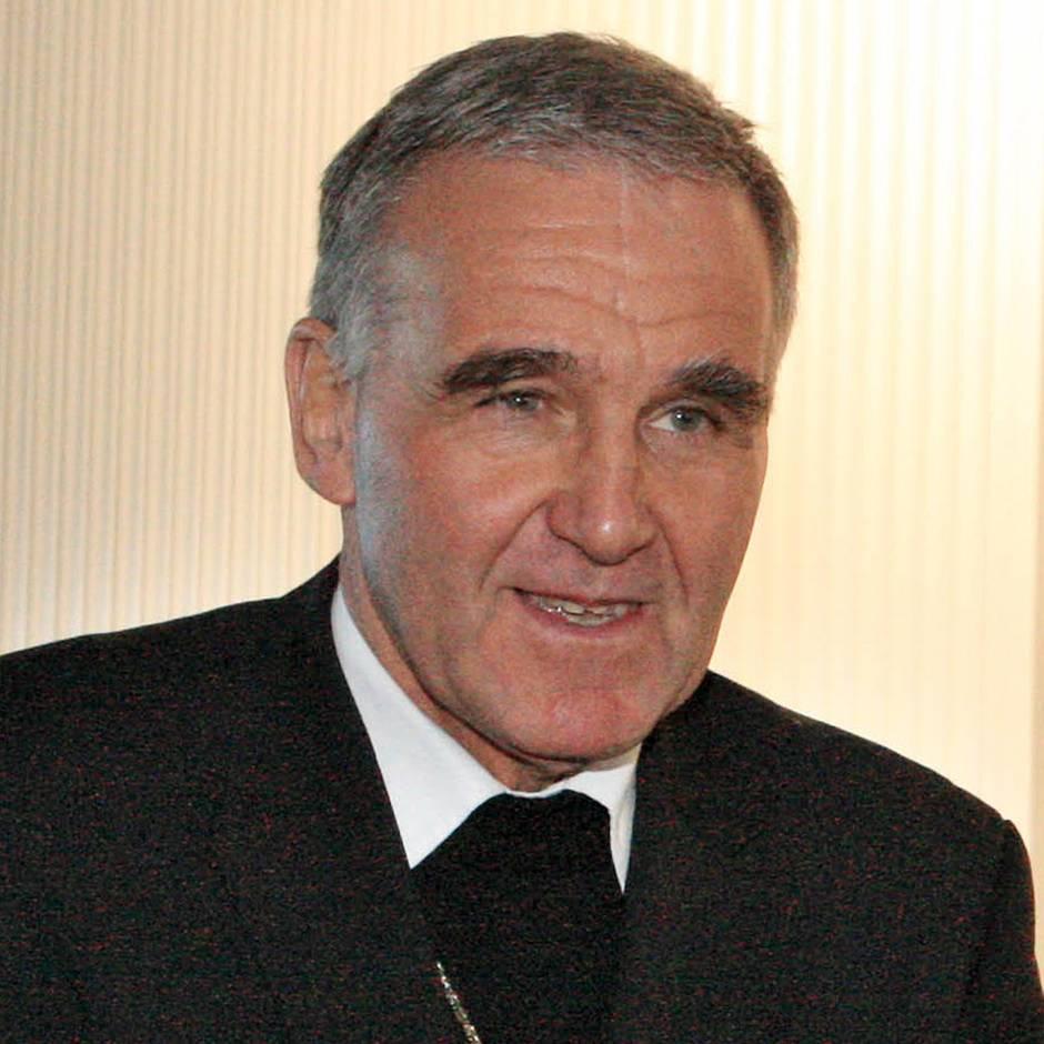 Sechsstellige Summe: Dubioser Geldtransfer: Aachener Weihbischof Büdgens wegen Untreue angeklagt