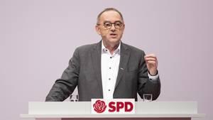 Einer der zukünftigen SPD-Vorsitzenden:Norbert Walter-Borjans